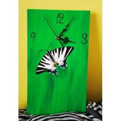Ručne maľované hodiny Vidlochvost ovocný